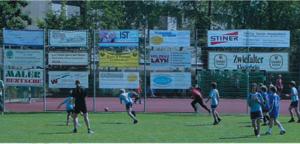 Bandenwerbung mit Spannplakaten beim TSV Zizishausen